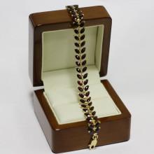 Gold bracelet,  garnet