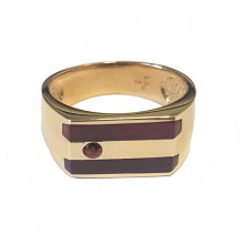 Gold men's ring with garnet