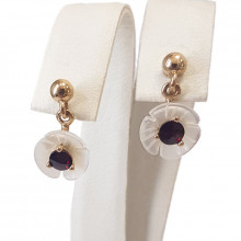 Gold earrings, garnet, mother of pearl