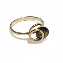 Zlatý prsten s vltavínem