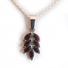 Silver pendant, garnet
