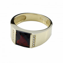 Gold ring, garnet, diamonds
