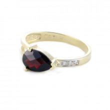 Gold ring, garnet,diamonds
