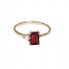 Gold ring,  garnet, zirkon